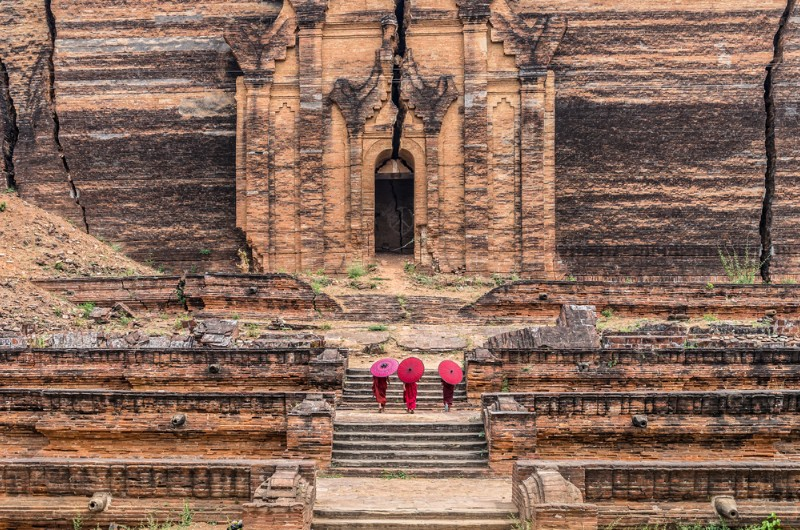 mingun, voyage mingun, myanmar, voyage myanmar, birmanie, voyage birmanie, voyage, asiatica travel, temple, moines