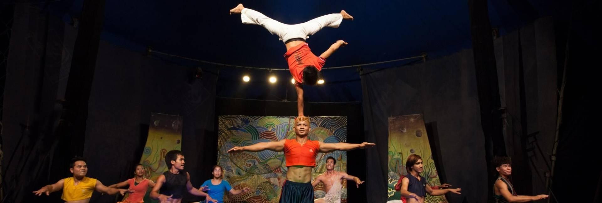 Offre d'un spectacle de cirque à Siem Reap