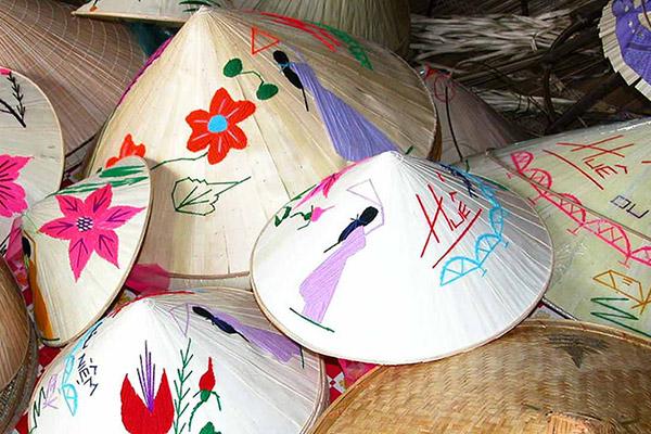 Cours d'artisanat Le Chapeau Conique