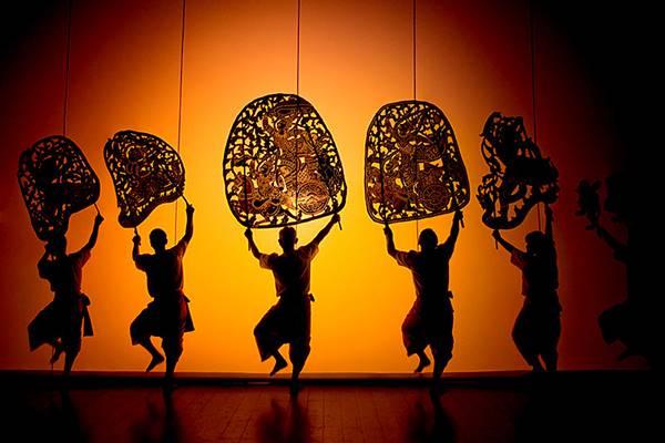 Sbek Thom, les mystères du théâtre d'ombres cambodgien