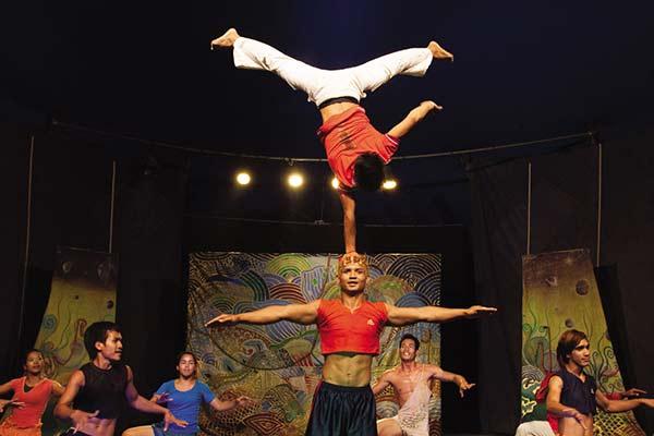 Offre du spectacle de cirque spécial à SiemReap