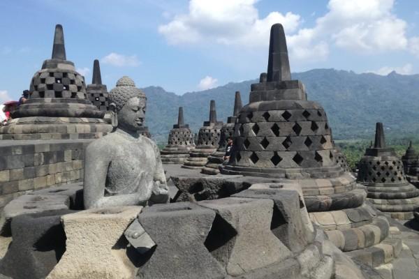 Explorer le temple de Borobudur en Indonésie