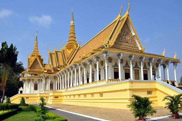 Le Palais Royal Phnom Penh et sa pagode d'argent de Phnom Penh