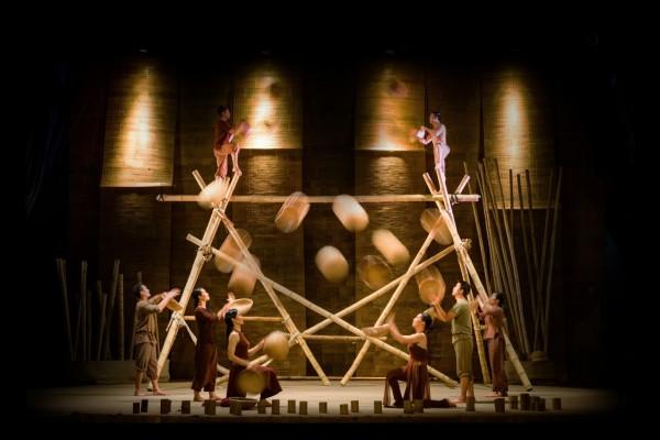 Le spectacle eblouissant de Lang Toi par Lune Production